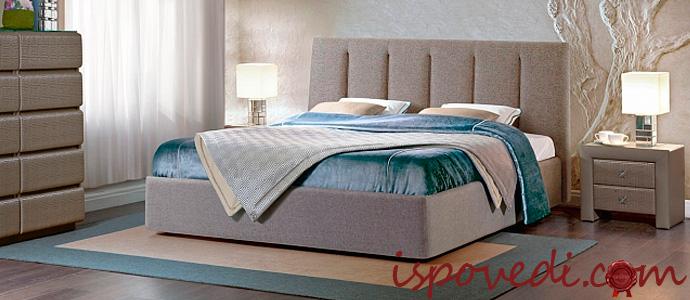 ортопедический матрас на кровати