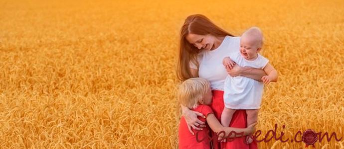 одинокая женщина с двумя детьми живет в нищете