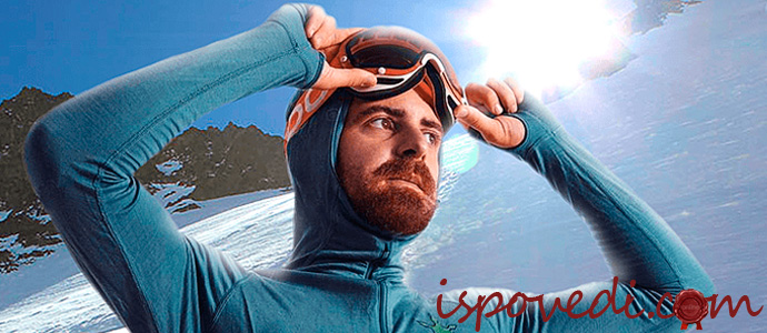 альпинист в термобелье