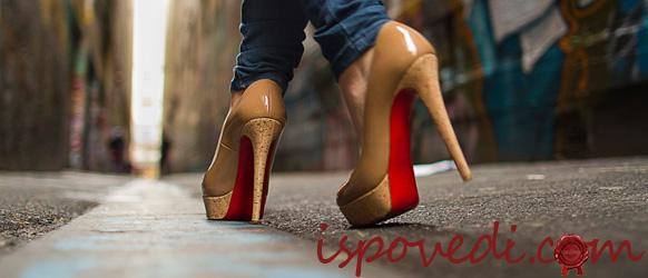 Фото девушки на каблуках #1