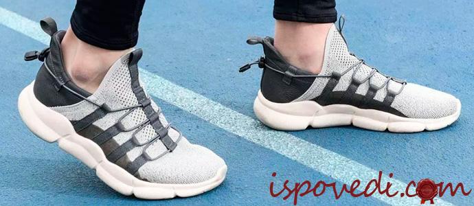 летние кроссовки из полимера