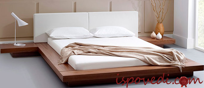 жесткий матрас на кровати